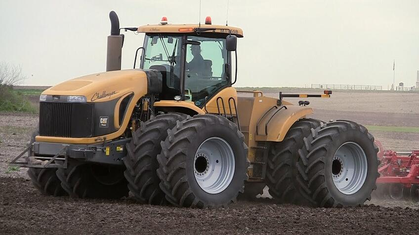AGCO Challenger MT975B tractor