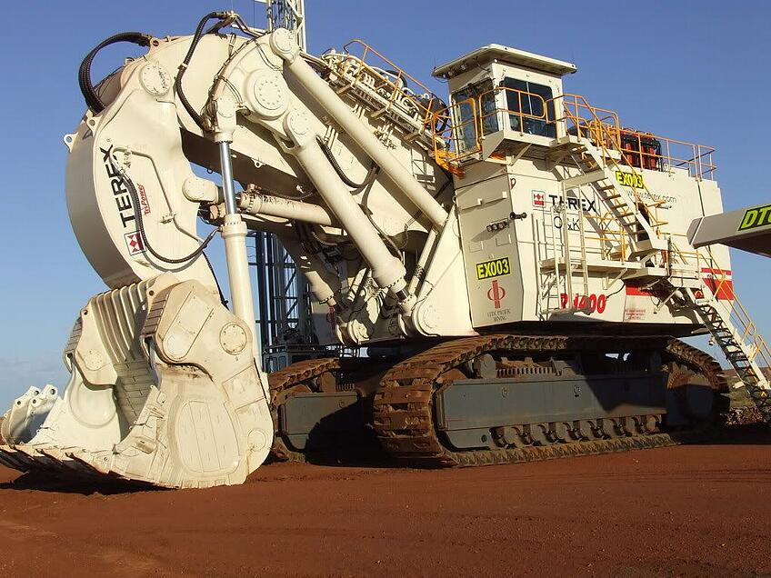 Top 10 World S Biggest Mining Excavators Iseekplant