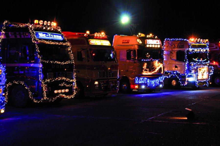 christmas rigs - trucks in christmas lights