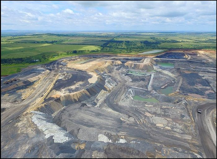 The New Acland coal mine near Oakey in Queensland has recieved Federal approval to expand. Image Source: Independant Australian.