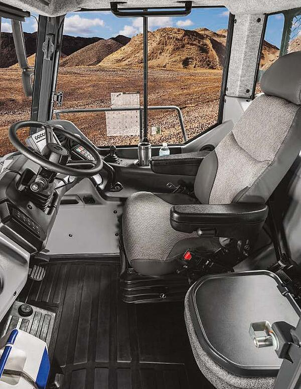 John Deere 260E Articulated Dump Truck 3