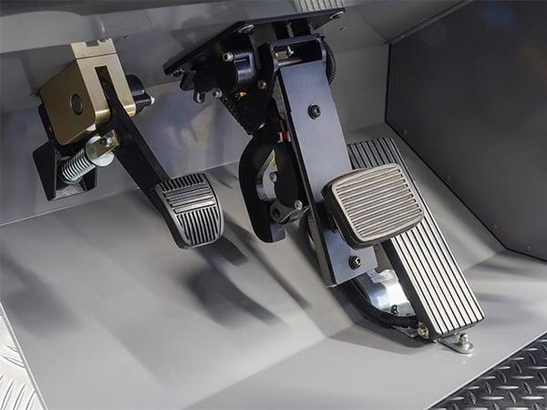 Komatsu 830E-1AC pedals