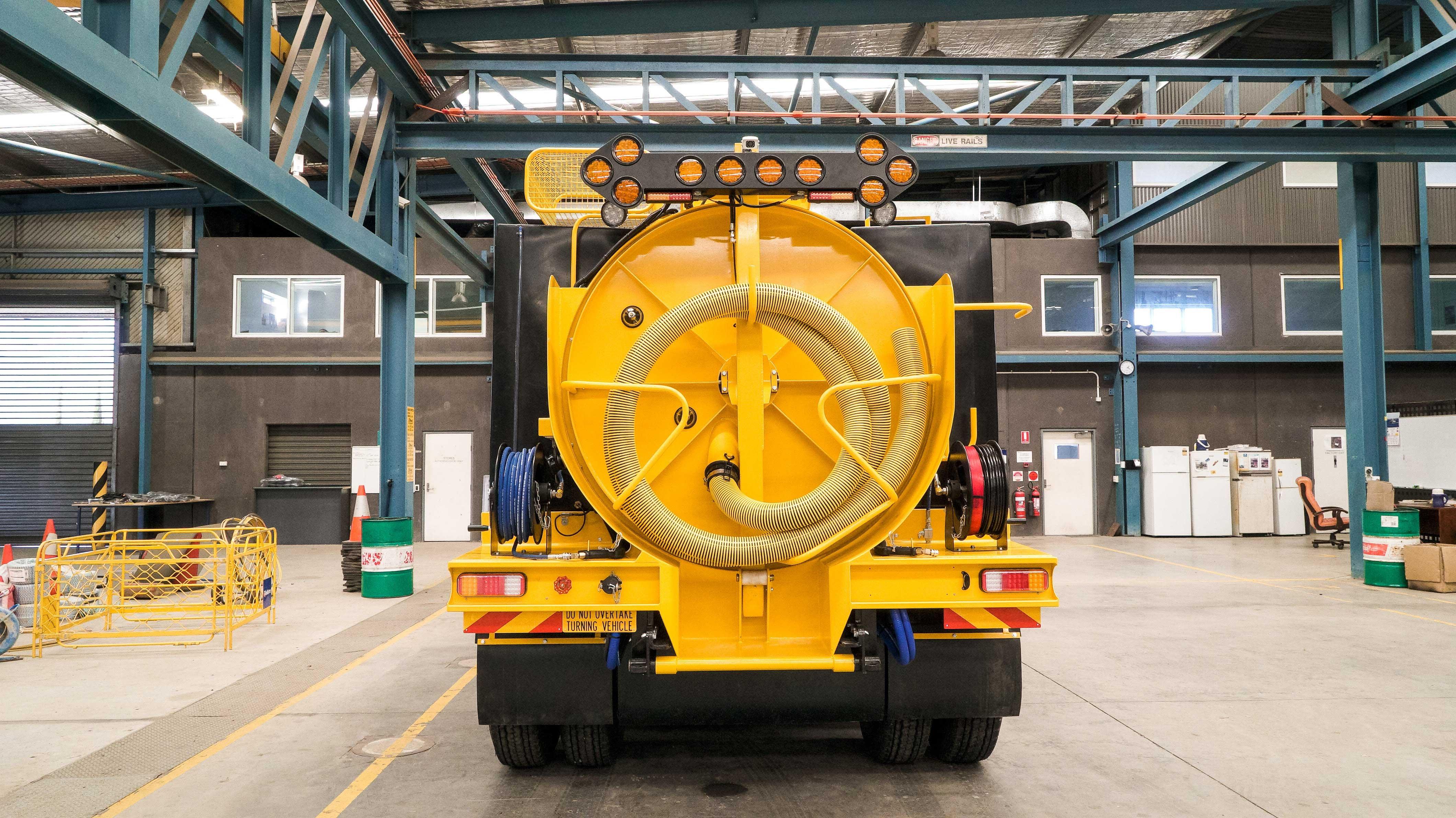 Vac-U-Digga---6000L-Vacuum-Truck-2
