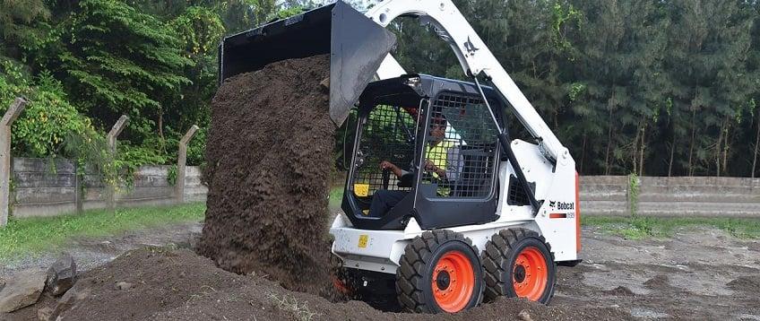 bobcat-s450-skid-steer-loader-construction-site