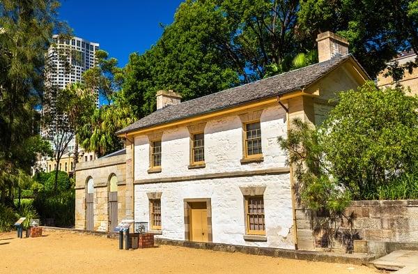 cadmans-cottage-oldest-building-sydney-australia