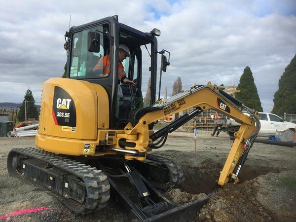 cat-303-5-mini-excavator-review