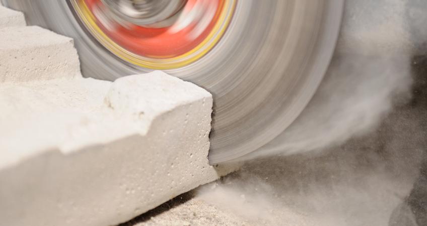 concrete-sawing-close-up