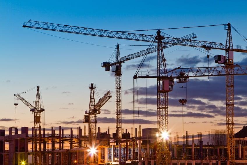 crane-hire-construction-site