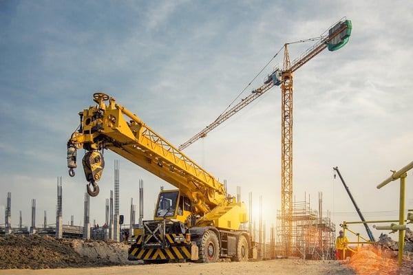 cranes-hire-construction-site