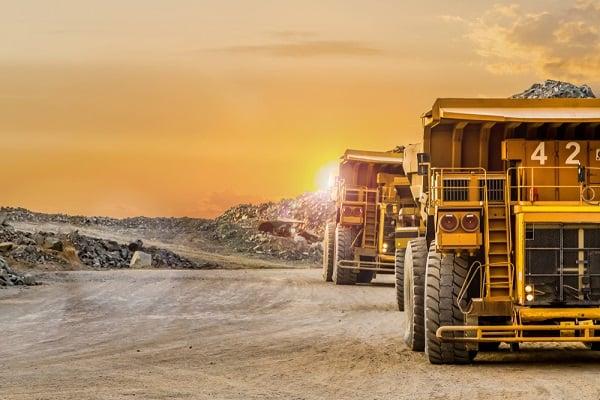 dump-truck-mining