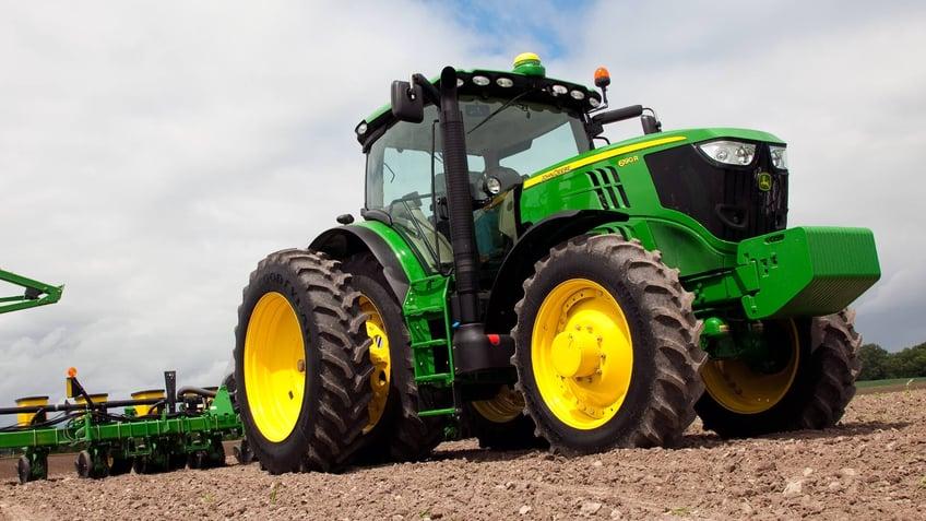 john-deere-tractor