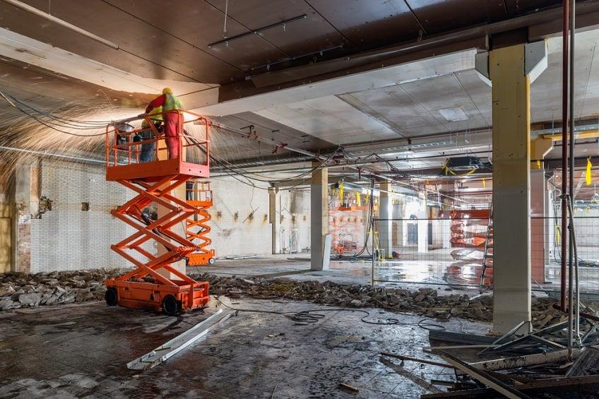 scissor-lift-construction-site