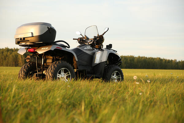 arctic-cat-atv-operation-on-farm