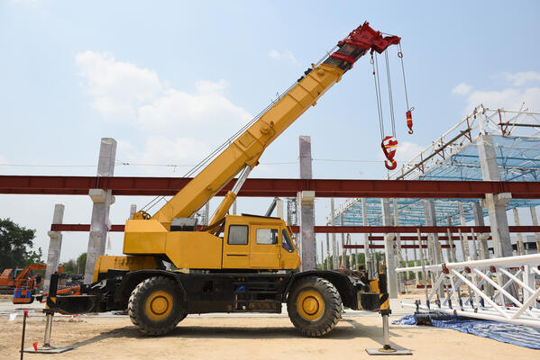 mobile-crane-machine-construction-building