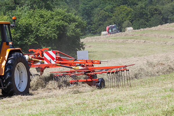 tractor-rake-attachment