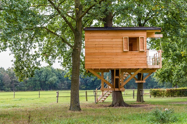 wooden-tree-house