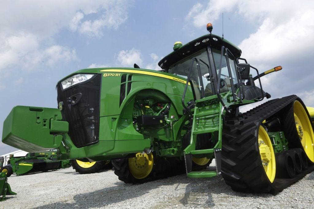 John-Deere-Tractor-1024x683