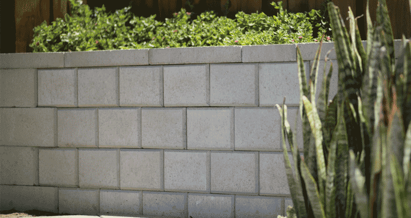 A step-by-step guide to building a retaining wall | iSeekplant