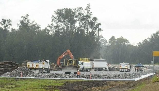 Pacific Highway Construction Update- soft-soil work underway near Harwood Bridge