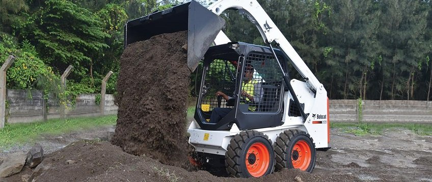 bobcat-s450-skid-steer-loader-construction-site