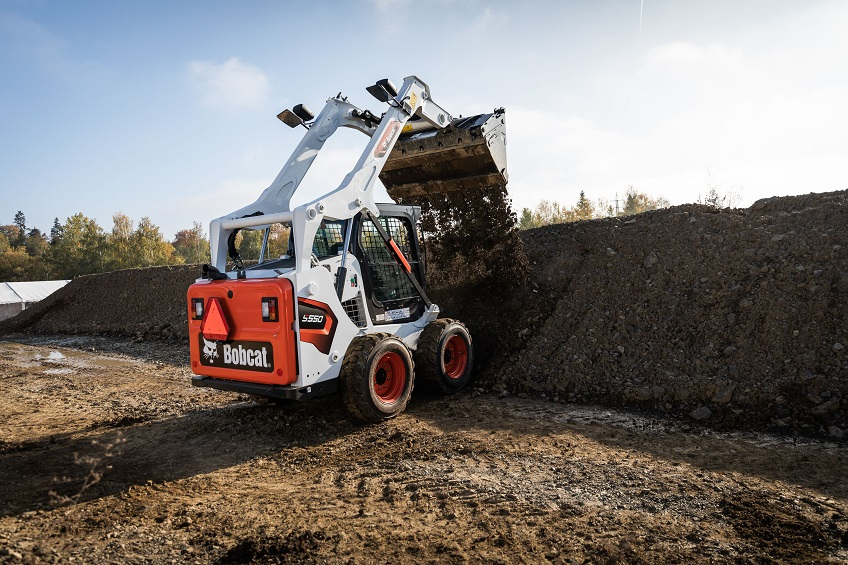 bobcat-s590-skid-steer-loader-construction-site