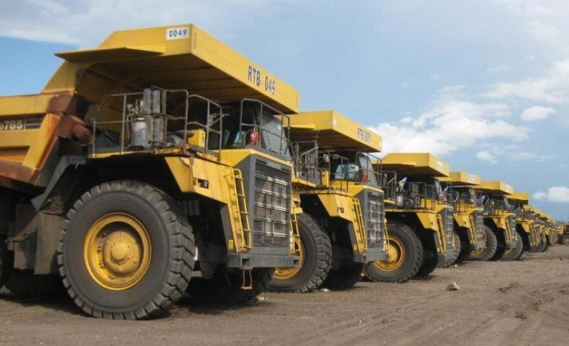 komatsu-trucks-800x486