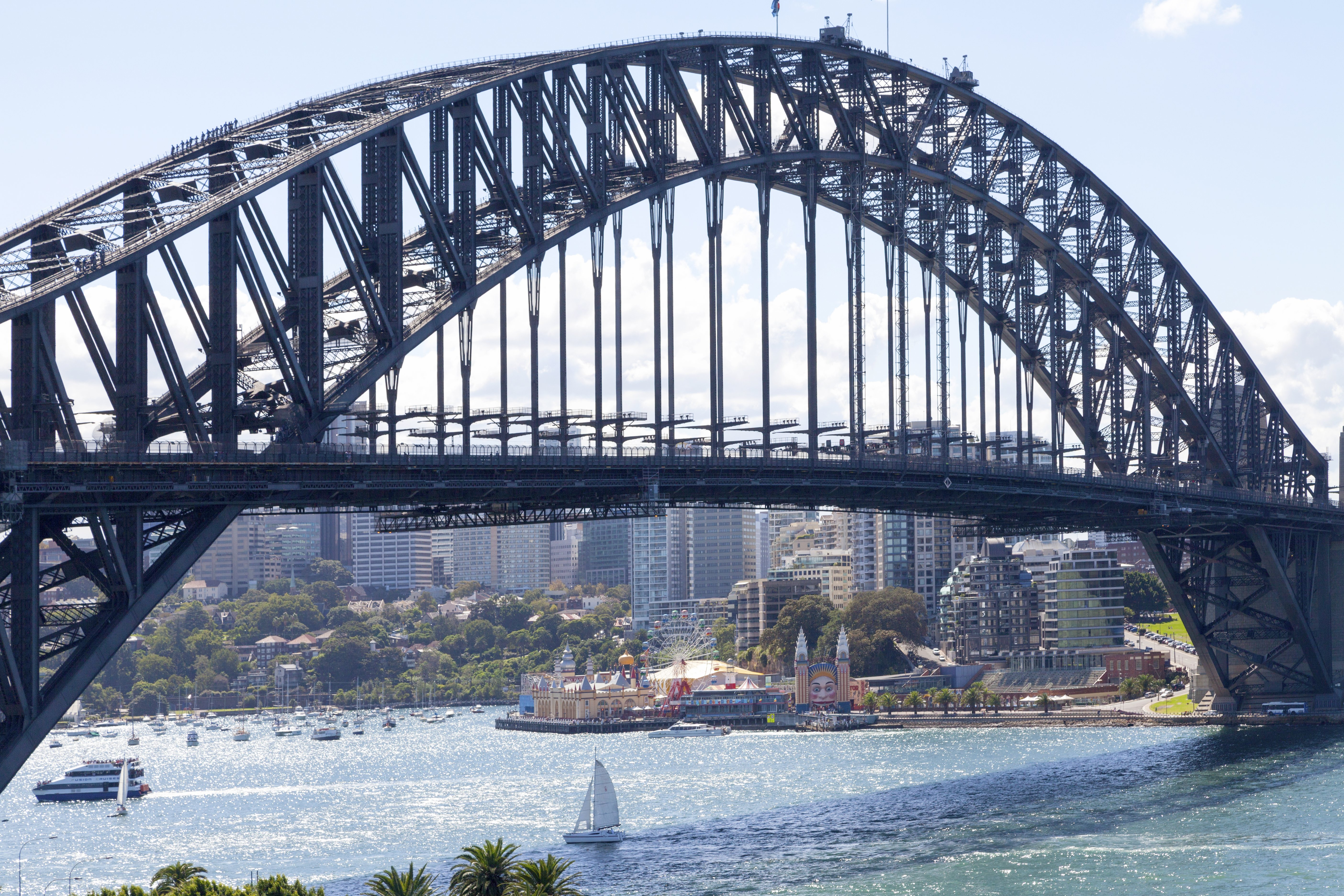 Sydney Harbour Bridge: the 2nd longest bridge in Australia